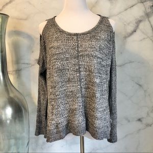🆕 Inspired Hearts Gray Cold Shoulder Top Large
